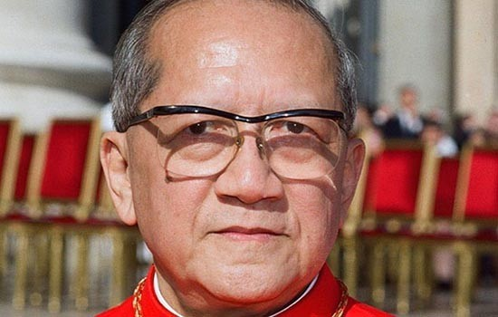 """""""Bậc Đáng Kính Nguyễn Văn Thuận, người của Chúa, tấm gương của niềm tin Kitô""""."""